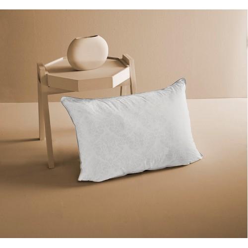 Подушка PERA 50х70 из микрофибры с пропиткой алоэ вера белого цвета с орнаментом