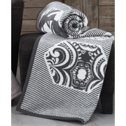 Мягкий хлопковый плед ALARA 150x240 белый с черным орнаментом