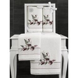 Подарочный комплект махровых полотенец с вышитыми цветами BONDI  V2