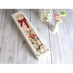 Полотенце в подарок из хлопка махровое с вышивкой роза светло розовое