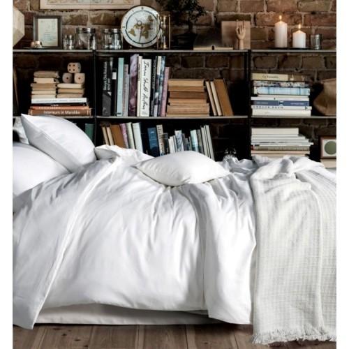 Семейный комплект постельного белья однотонный сатин кипельно белый