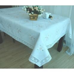 Скатерть кухонная полиэстер кремовая с цветами и вышивкой
